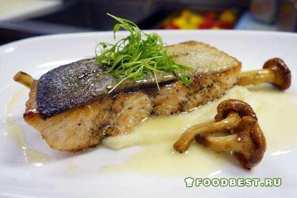 Филе лосося с золотистой корочкой